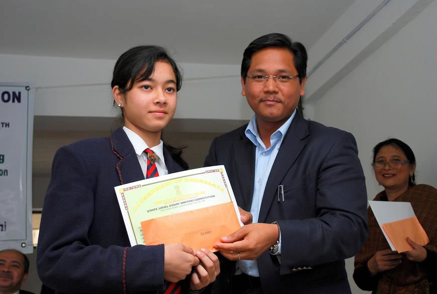 Felicitating Students Essay Writing competition-5-2009