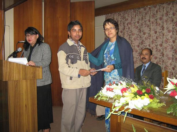 certificate distribution to Students at essay competition